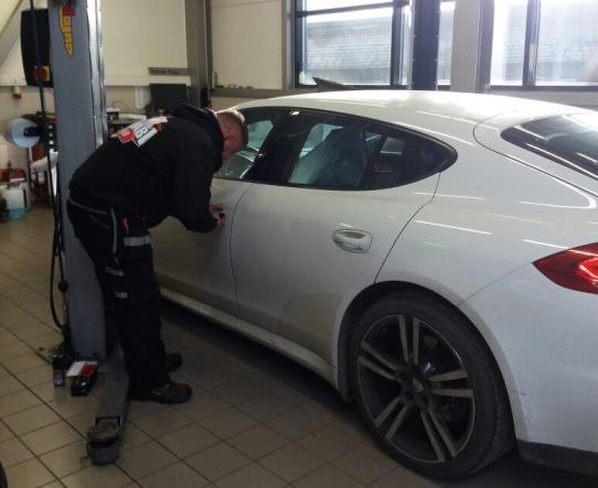 Аварийное открытие двери автомобиля в Таллинне